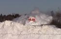 Đẹp ngỡ ngàng cảnh tàu hỏa lao đi trong tuyết