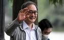 Thủ tướng Nhật Bản đi dạo hồ Gươm, vẫy tay chào người dân