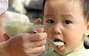Trẻ ăn nhiều chất bột, đường dễ táo bón