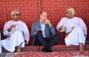 Hoàng tử William dân dã, ngồi uống nước tán gẫu cùng ngư dân Oman