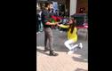 Cặp đôi sinh viên bị đuổi học sau màn cầu hôn giữa sân trường