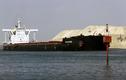 Hàng trăm tàu di chuyển qua kênh đào Suez vừa được khơi thông
