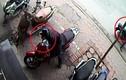 Video: Những màn trộm xe máy gây sững sờ vì quá nhanh