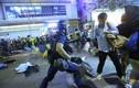 Video cảnh sát Hồng Kông rượt đuổi người biểu tình trên phố
