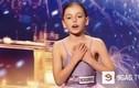"""""""Đứng hình"""" trước giọng hát lạ thường của bé 10 tuổi"""