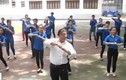 """Video: Thầy giáo U60 dạy nhảy cực """"chất"""""""