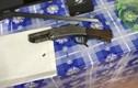 Chồng dùng súng bắn vợ cũ vì hàn gắn tình cảm không thành