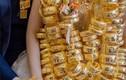 """Cô dâu đeo vàng trĩu cổ, mẹ tặng thêm quà """"siêu to"""", dân mạng choáng váng"""