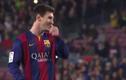 """Messi """"cười đểu"""" khi Neymar sút hỏng penalty"""
