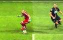 """Khi thủ môn bị các tiền đạo biến thành """"gã hề"""""""