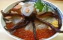 Hãi hùng tô mỳ trộn hải sản ngọ nguậy