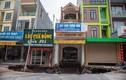"""Hiện trường """"hố tử thần"""" khiến 20 hộ dân phải sơ tán ở Hà Nội"""