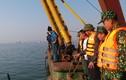 Đâm sà lan, tàu du lịch chở 31 khách chìm ở Quảng Ninh