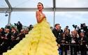 Phong cách ăn mặc sexy của người mẫu Brazil bị tuột váy trên thảm đỏ Cannes