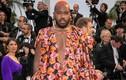 Những sao nam ăn mặc lố lăng tại LHP Cannes 2019