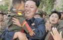 Kim Jong-un tặng kẹo cho trẻ em Triều Tiên dịp sinh nhật