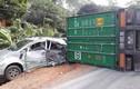 Video: Container ôm cua tốc độ cao, đâm trúng 2 ô tô con