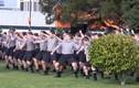 Nam sinh nhảy vũ điệu thổ dân trong đám tang thầy giáo