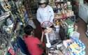 Lật tẩy chiêu rút tiền tinh vi của kẻ gian khi mua hàng