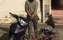 Dân vây bắt 2 'cẩu tặc' mang đao đi trộm 70 con chó