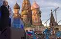 Tổng thống Putin tái xuất, hát mừng Crimea sáp nhập