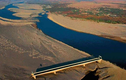 """""""Dòng sông hung dữ"""" Amazon khiến không cây cầu nào được bắc qua"""