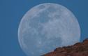 """Mãn nhãn hình ảnh """"siêu trăng giun"""" trên khắp thế giới"""