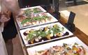 """Video: Đầu bếp khách sạn 5 sao kể chuyện """"bếp núc"""" cho lãnh đạo thế giới đến VN"""