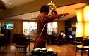 """Video: Công phu châm trà như """"phim chưởng"""" tại Trung Quốc"""
