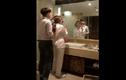 """Video: Hành động của những anh chồng """"đốn tim"""" hàng triệu chị em"""