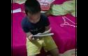 Video: Phì cười với cậu bé đọc bảng cửu chương trong nước mắt