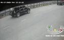 Video: ô tô 7 chỗ biến dạng sau cú tông kinh hoàng