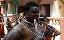 Màn xỏ khuyên ghê rợn trong lễ hội Ấn Độ