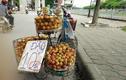 Màn gây lú tinh vi của hàng hoa quả vỉa hè