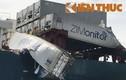 """Đâm tàu hàng container trên sông Đồng Nai, dân lao vào """"hôi của"""""""