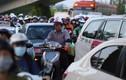 Đường về sân bay Tân Sơn Nhất kẹt cứng trước kỳ nghỉ lễ 30/4