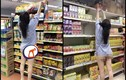 """Ăn mặc hớ hênh đi siêu thị, bị dân mạng """"ném đá"""" dữ dội"""