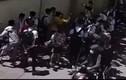Lại xuất hiện clip học sinh lớp 8 bị đánh hội đồng khi vừa tan trường
