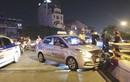 Tài xế taxi đâm vỡ thành cầu Chương Dương vì ngủ gật