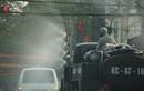 Ảnh: Xe chuyên dụng phun hóa chất phòng COVID-19 trên phố Hải Phòng