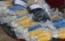 CSGT tóm taxi Mai Linh chở hơn 3.000 kíp nổ
