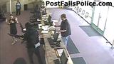 Cướp ngân hàng, cuỗm sạch tiền trong 60 giây