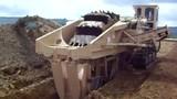Soi kỹ cỗ máy đào đất khủng nhất thế giới