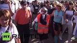 Thán phục cụ bà 91 tuổi đi bộ 1.200km về đất thánh