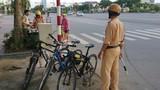 Đi xe đạp cũng bị phạt thổi nồng độ cồn: Bán xe được 200k nhưng nộp phạt hết 600k