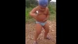 Hài hước nhóc tì 4 tuổi cởi trần nhảy Hiphop gây sốt
