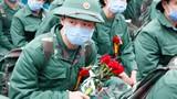Thanh niên Hà Nội đeo khẩu trang, xúc động ngày lên đường nhập ngũ