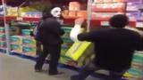 Những trò đùa quái đản khiến người khác sợ hết hồn
