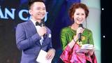 """MC chuyên trị hoa hậu dám vượt mặt """"bà trùm"""" chân dài"""