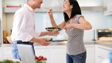 Sai lầm của những người vợ chiều chồng một cách thái quá